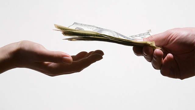 Как давать деньги в долг